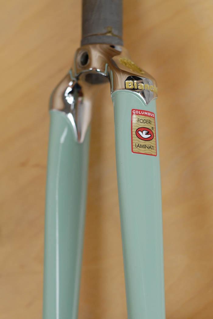 Bianchi X4 fork crown detail