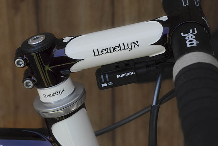 Bob chose a custom Llewellyn lugged stem for his bike. Dazza worked on the fine detail for the Di2 control unit.  Fitting the unit nicely by bolting it under the stem rather than attaching the unit by the usual very expensive (but cheap looking) rubber band that comes from Shimano.