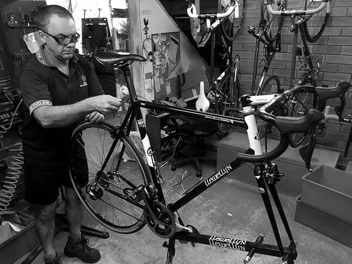 Darrell McCulloch puts the finishing touches to Bob's Di2 Shimano Dura Ace equipped Llewellyn.