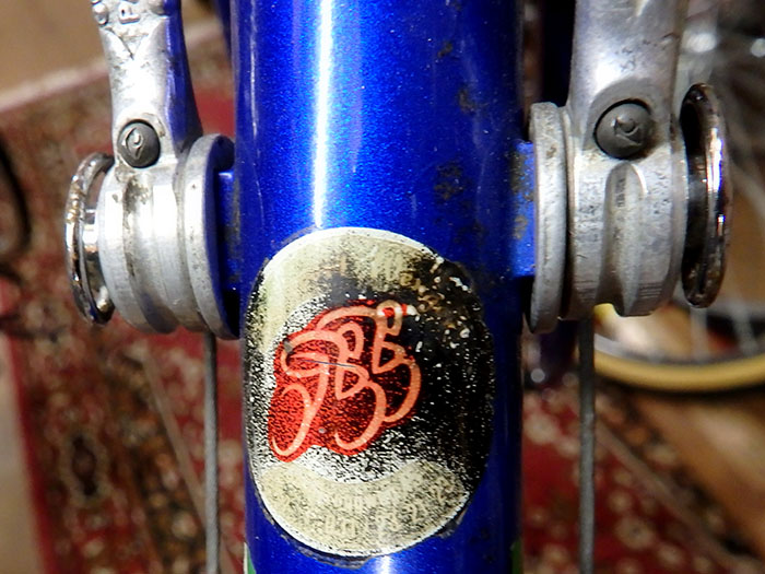 This ICS Magni may not be a top of the line gold plated example, but the history of the paint and origins of the machine remain with important details like this Radsport Wenger Rennshop decal.