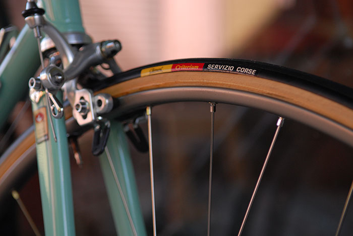 Team issue Clement Criterium tyres were standard, sometimes swapped for Vittoria CX.