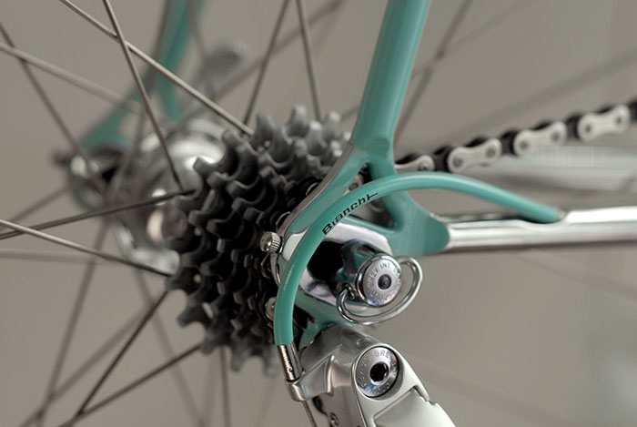 Bianchi rear mech cables were fitted in a very tight and short length, compared to today. Basic arrangement, one end ferule, a step down cable end stop and the outer is from a front brake cable, matched with a genuine Campagnolo inner gear cable.