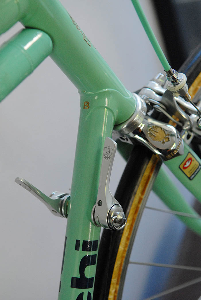 Campagnolo C Record gear shift lever, friction on the Bianchi X4.