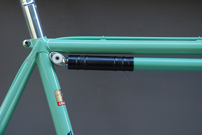Silca Impero Bianchi celeste frame fit pump with matching black collar to the black 3ttt stem.