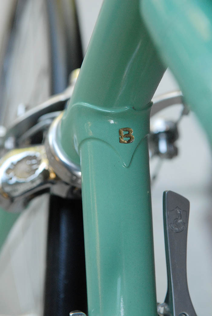 Investment cast lugs a quality adding to the allure of the Bianchi X4.