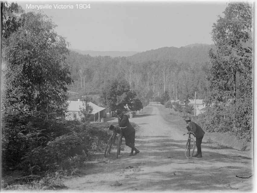 marysville-cyclists-1904.jpg