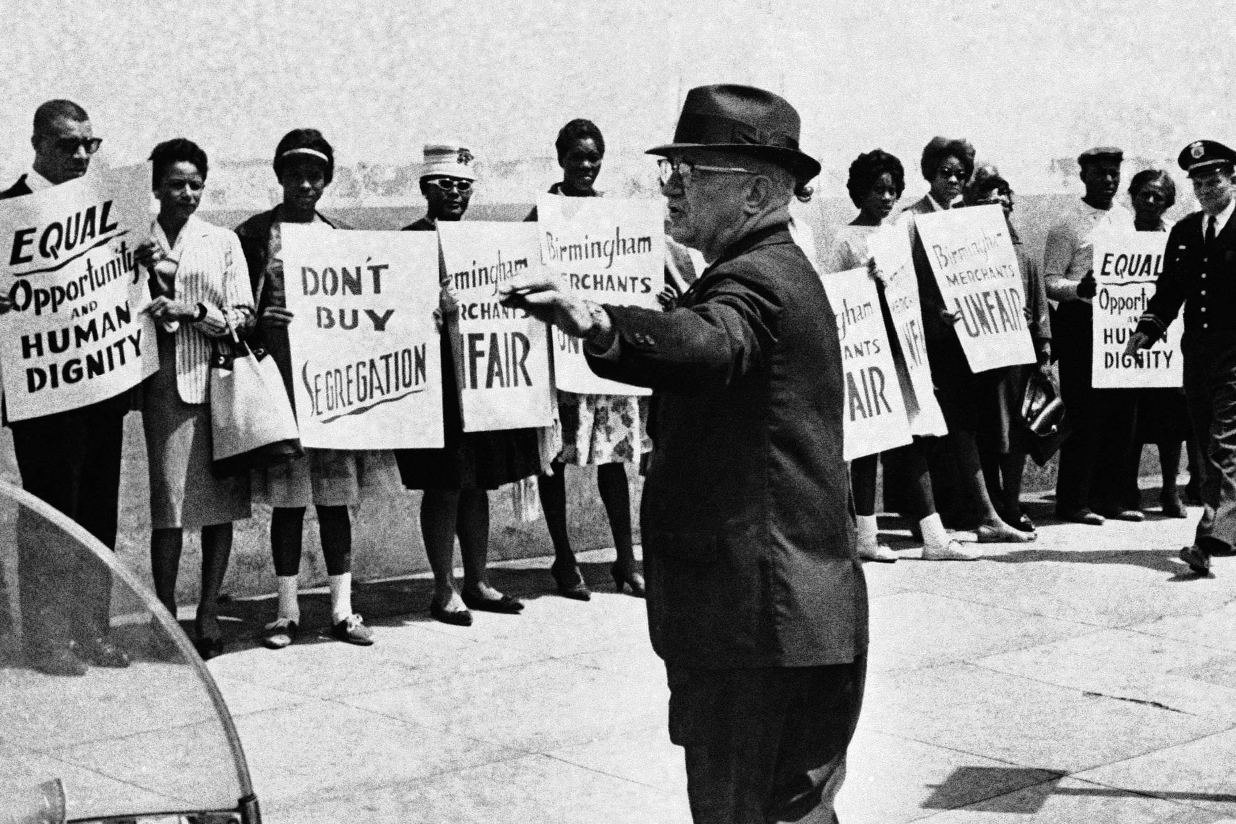 Birmingham Protesters and Bull Connor.jpg