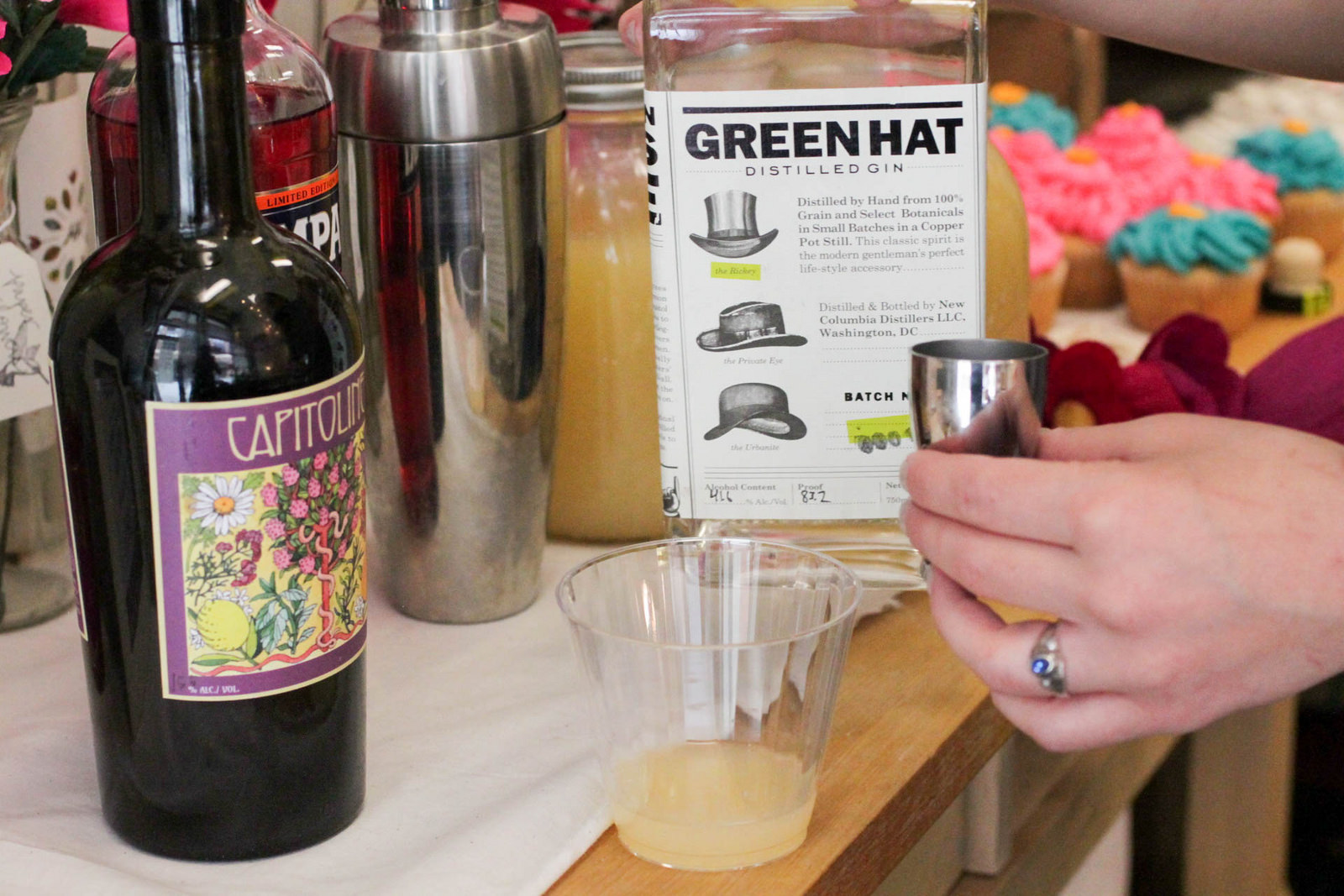 1.5 oz Green Hat gin (Made in DC!)