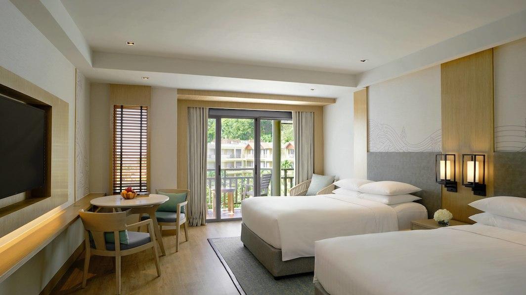 hktmb-guestroom-3474-hor-wide.jpg
