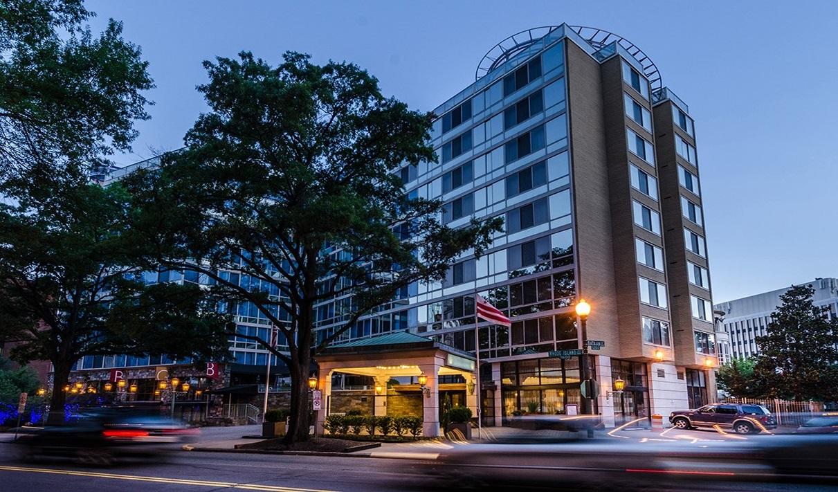 Beacon Hotel Exterior Night