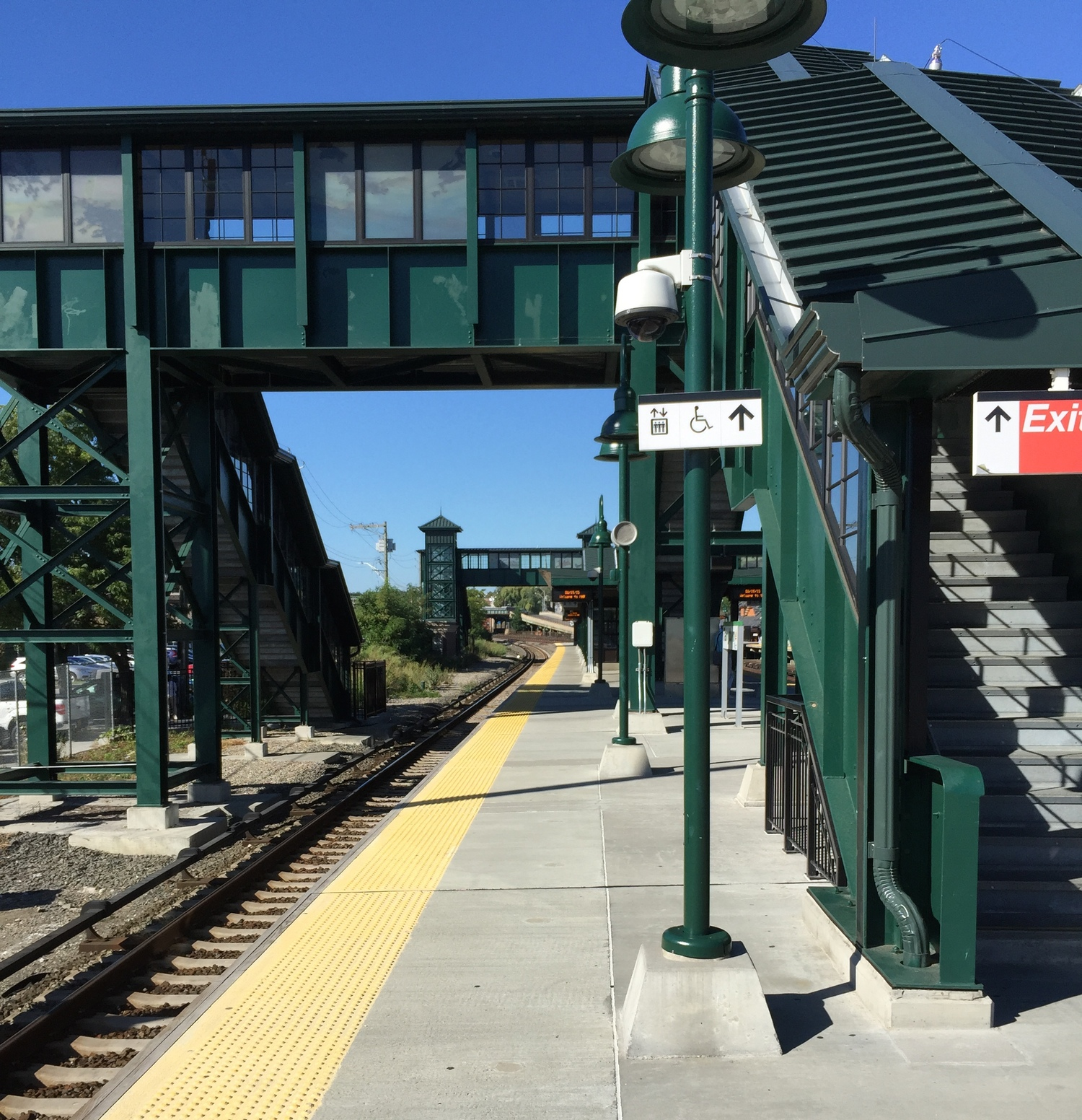 Tarrytown Metro-North Railroad Platform