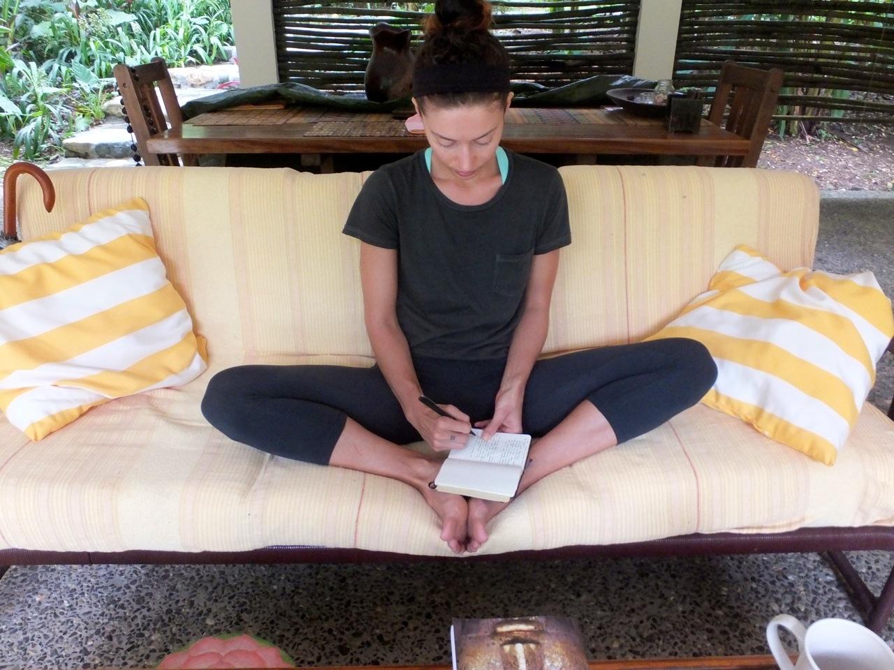rachelle robinett honduras yoga raw food retreat