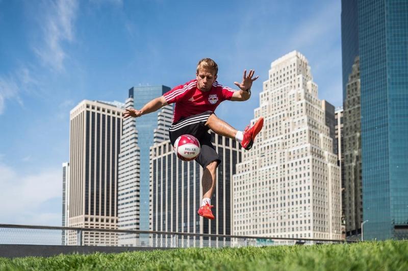 freestyle soccer player juggler new york city