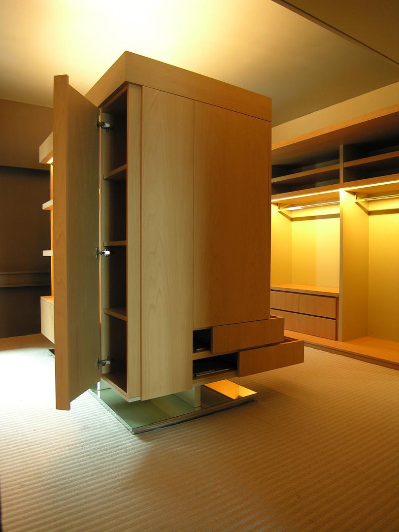 Study room- center wardrobe 2 (high rev).jpg