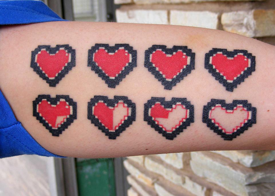 artisanal_tattoo_lou_o'caiside_pixel_hearts_tattoo.jpg