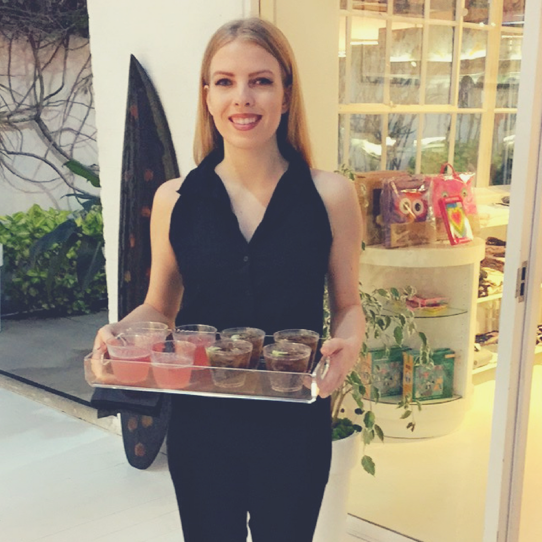 SERVING STAFF - Having a fast and friendly wait staff brings class to your event. Whether it's tray passing or banquet style, we work cohesively with your catering staff for a seamless flow.