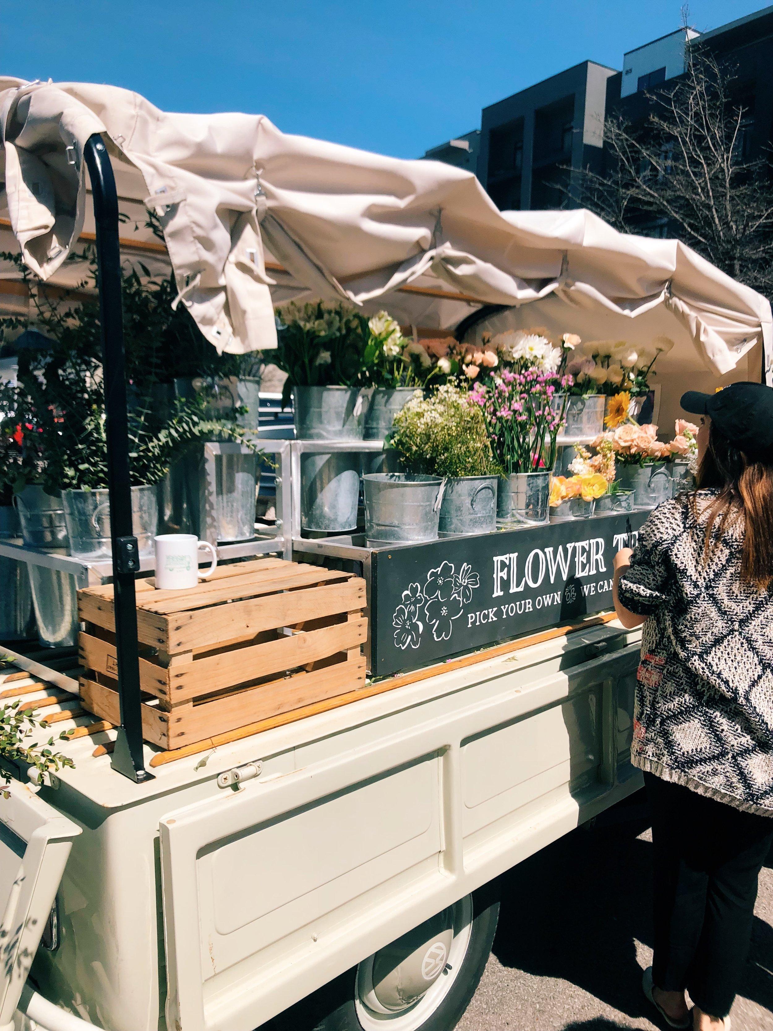 flower truck.JPG