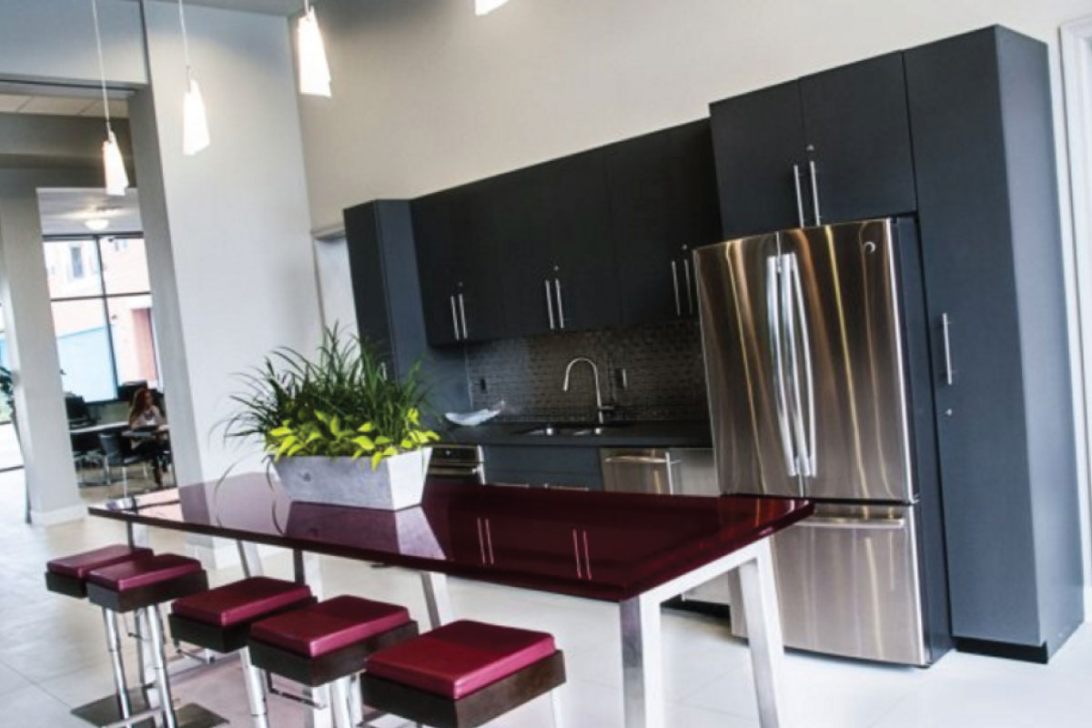 SLEEK COMMUNITY KITCHEN
