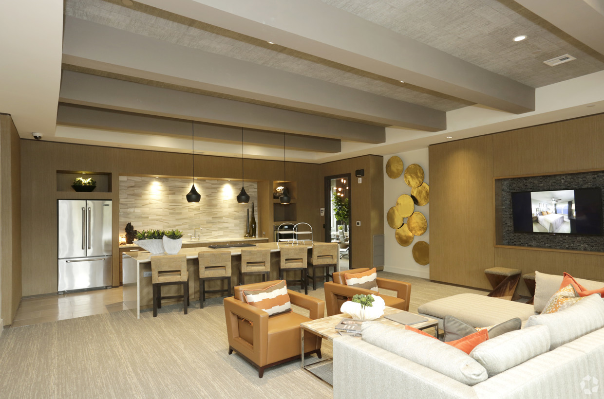 Lounge with Catering Kitchen