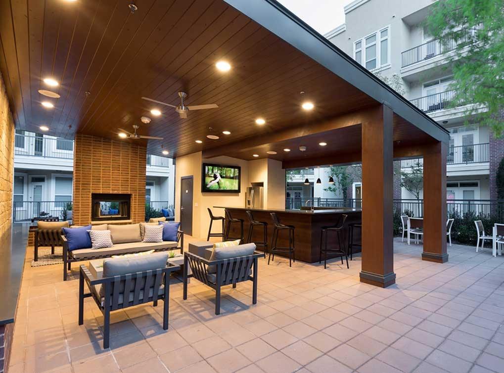 Cabana w/ Fireplace & Kitchen