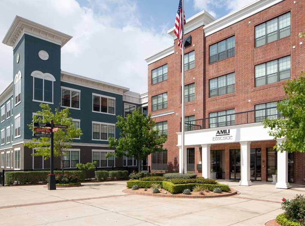 eastside-amenity-exterior-building-exterior(1).jpg