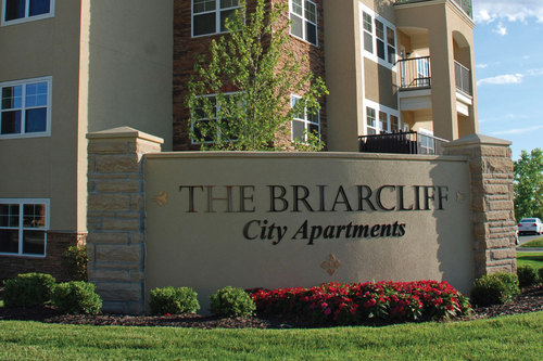 THE BRIARCLIFF - RIVERSIDE