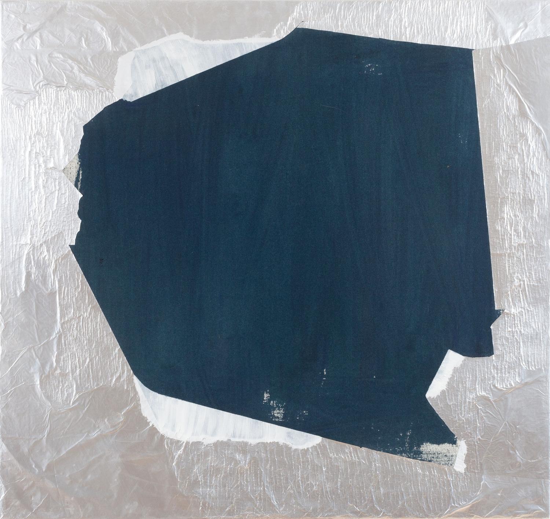 Aforismo 27-A  , 2015, acrílico y papel aluminio sobre tela, 80 x 85 cm.