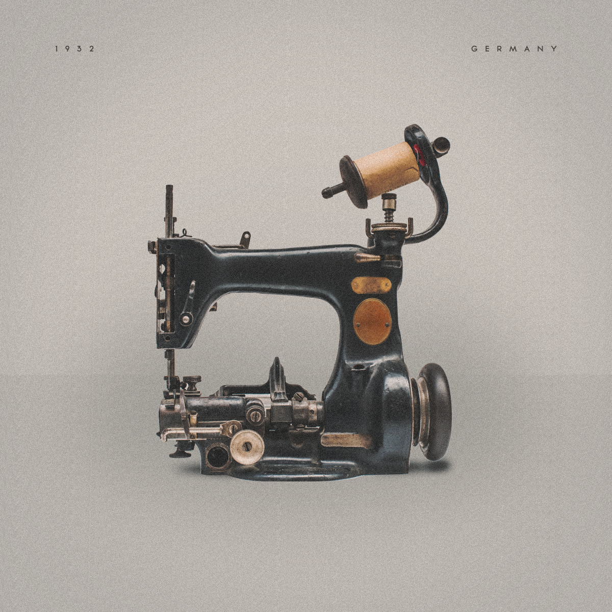 Sewing machine (0022).png