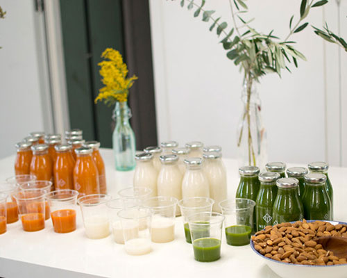 Healthy smoothies at employee wellbeing day.jpg