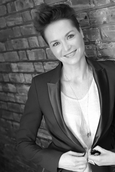 Steph - Work Well Being Coach and facilitator of our wellbeing workshops. Steph is an expert in the Science of Happiness and a certified Mindfulness and Positive Neuroplasticity Training (PNT) coach. Her approach is heavily grounded in science.