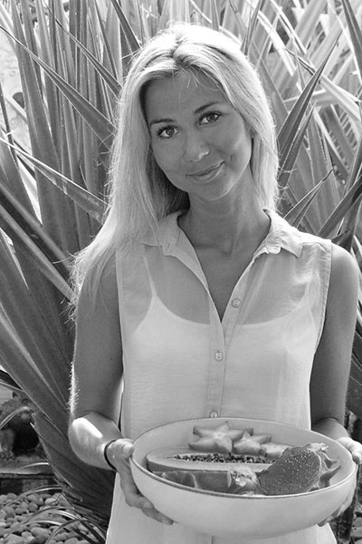 Clarissa - Work Well Being Nutritionist and facilitator of our wellbeing workshops. Clarissa uses her extensive knowledge and experience in the science of health and food to advise on all aspects of nutrition, helping clients to achieve long-term wellbeing.