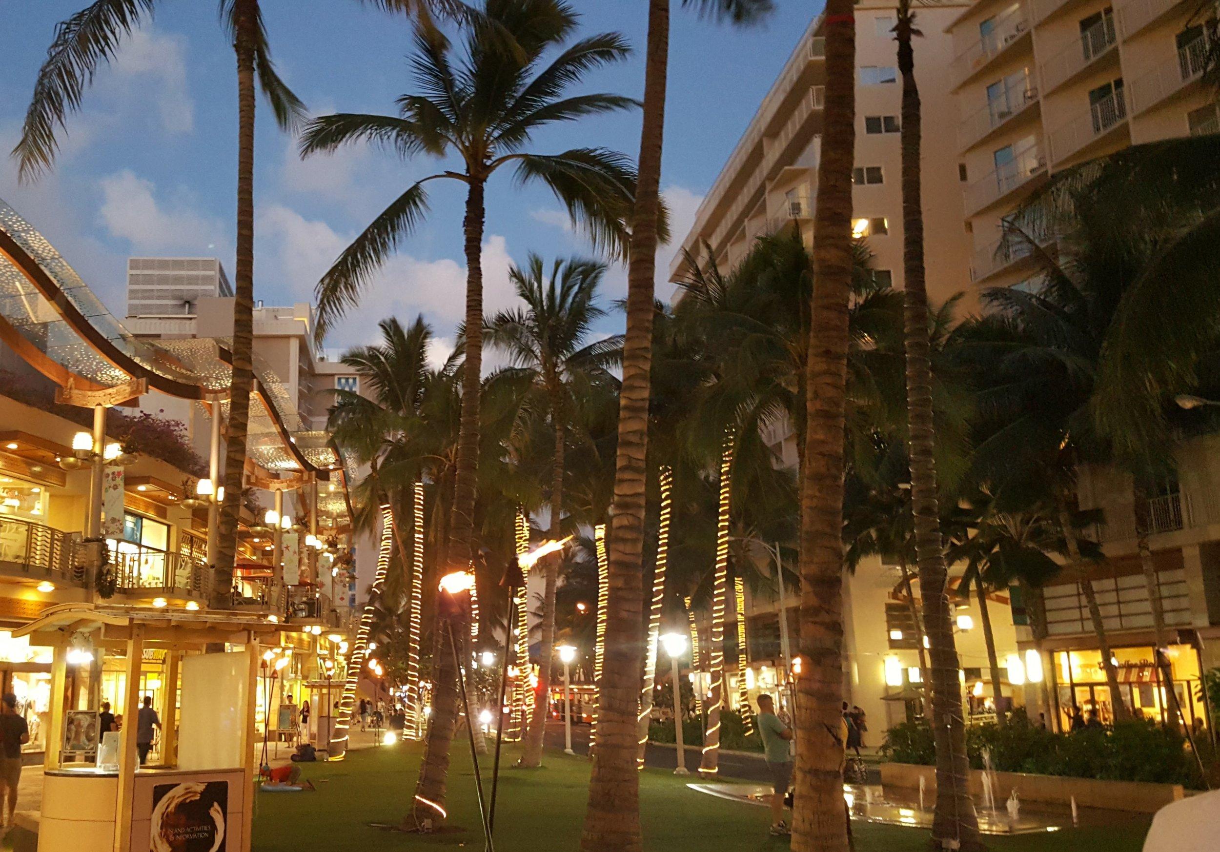 Wyndham At Waikiki Beach Walk Wheels Round The World Llc