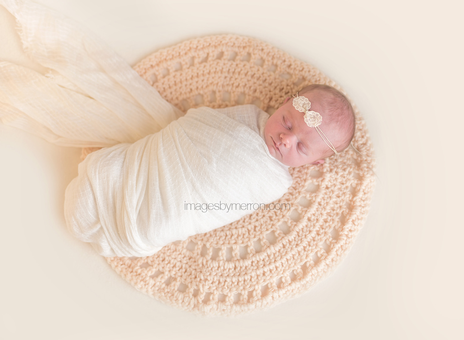 Newborn photographer | Baby Photographer | Baby pictures | Ankeny, Iowa Photographer | Des Moines baby photographer | Images by Merron