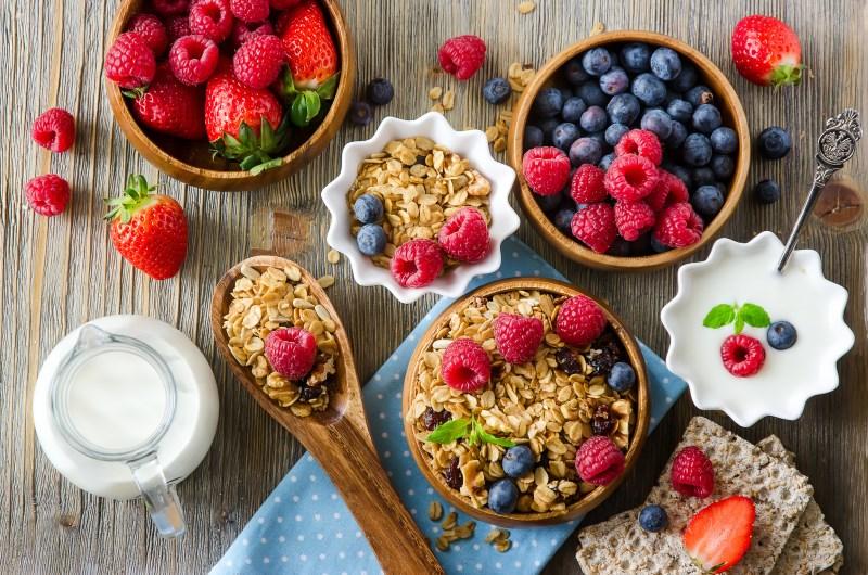 mixed-fruit-healthy-breakfast.jpg