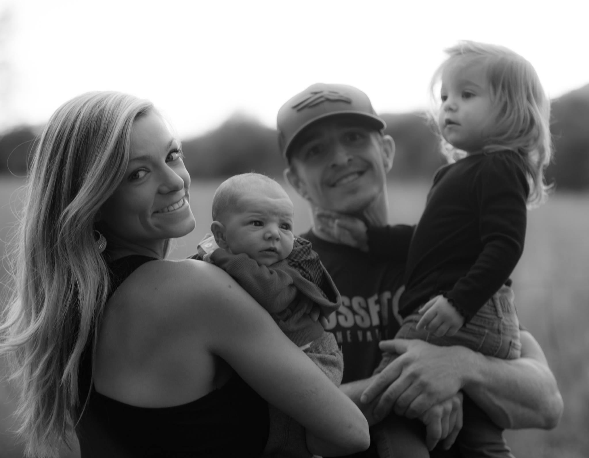 Dan, Alicia, and their adorable children.