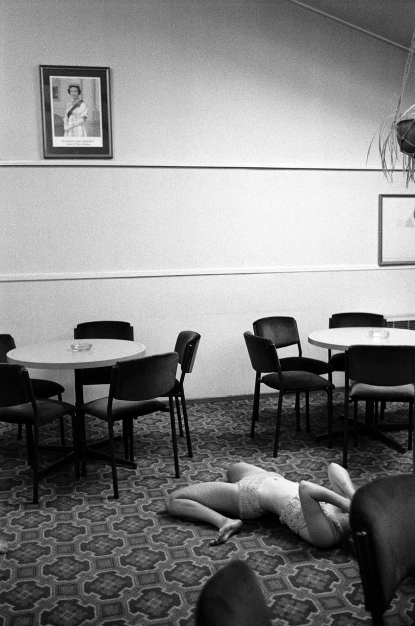 Acrobat, St. Albans Working Men's Club, Christchurch, 1991