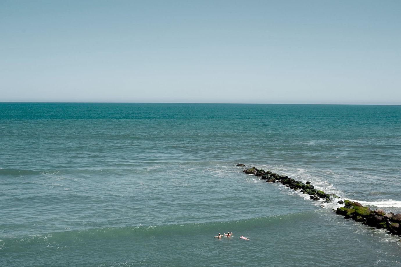 Ohawe,-Swimmers,-2010,-Bruce-Fostyer_DSC5949-col.jpg
