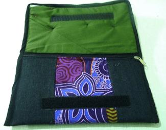 Uganda fair trade wallet.png