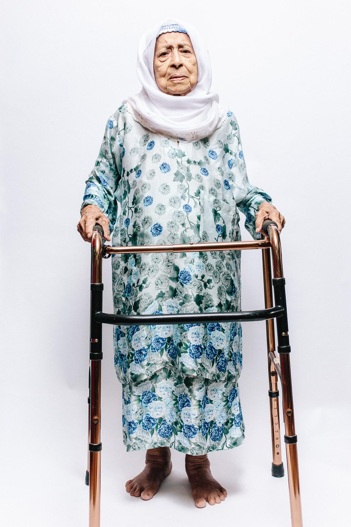 zainal-zainal-studio-centenarians-care-duke-nus-singapore-photographer-02.jpg