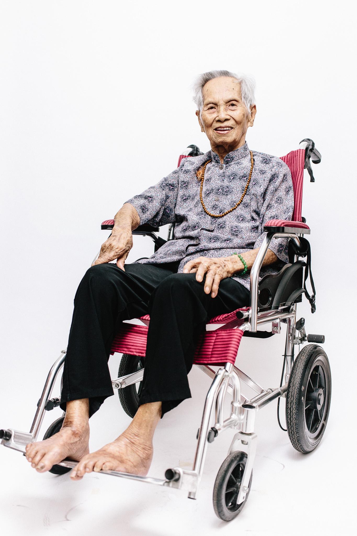 zainal-zainal-studio-centenarians-care-duke-nus-singapore-photographer-10.jpg