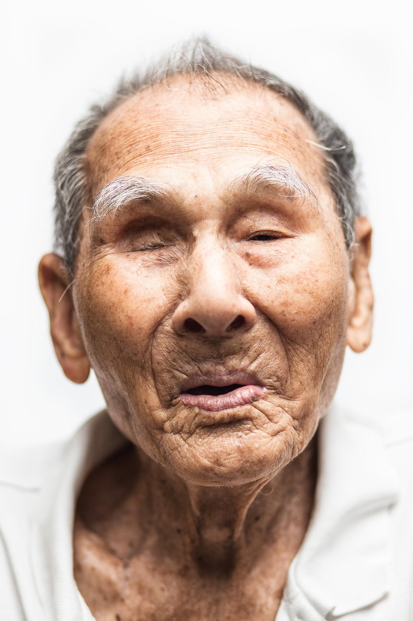 zainal-zainal-studio-centenarians-care-duke-nus-singapore-photographer-11.jpg