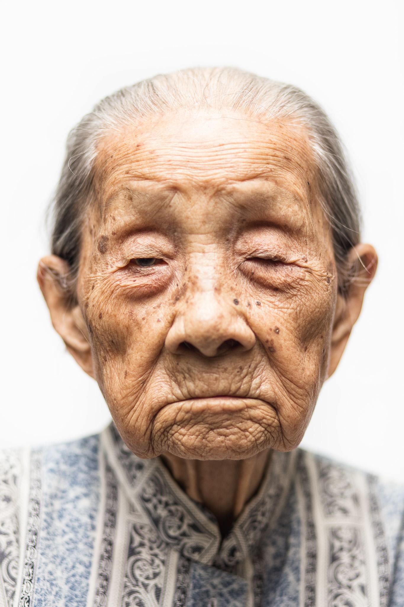 zainal-zainal-studio-centenarians-care-duke-nus-singapore-photographer-13.jpg