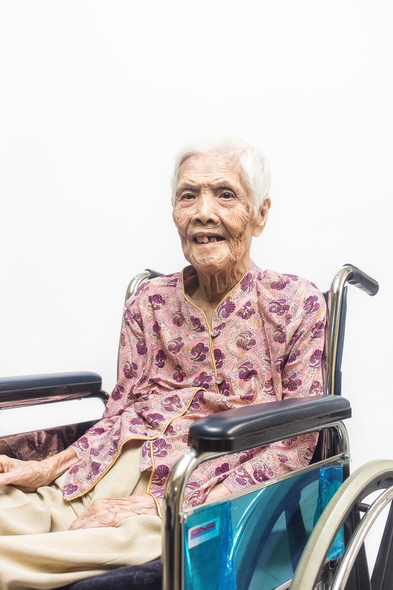 zainal-zainal-studio-centenarians-care-duke-nus-singapore-photographer-16.jpg