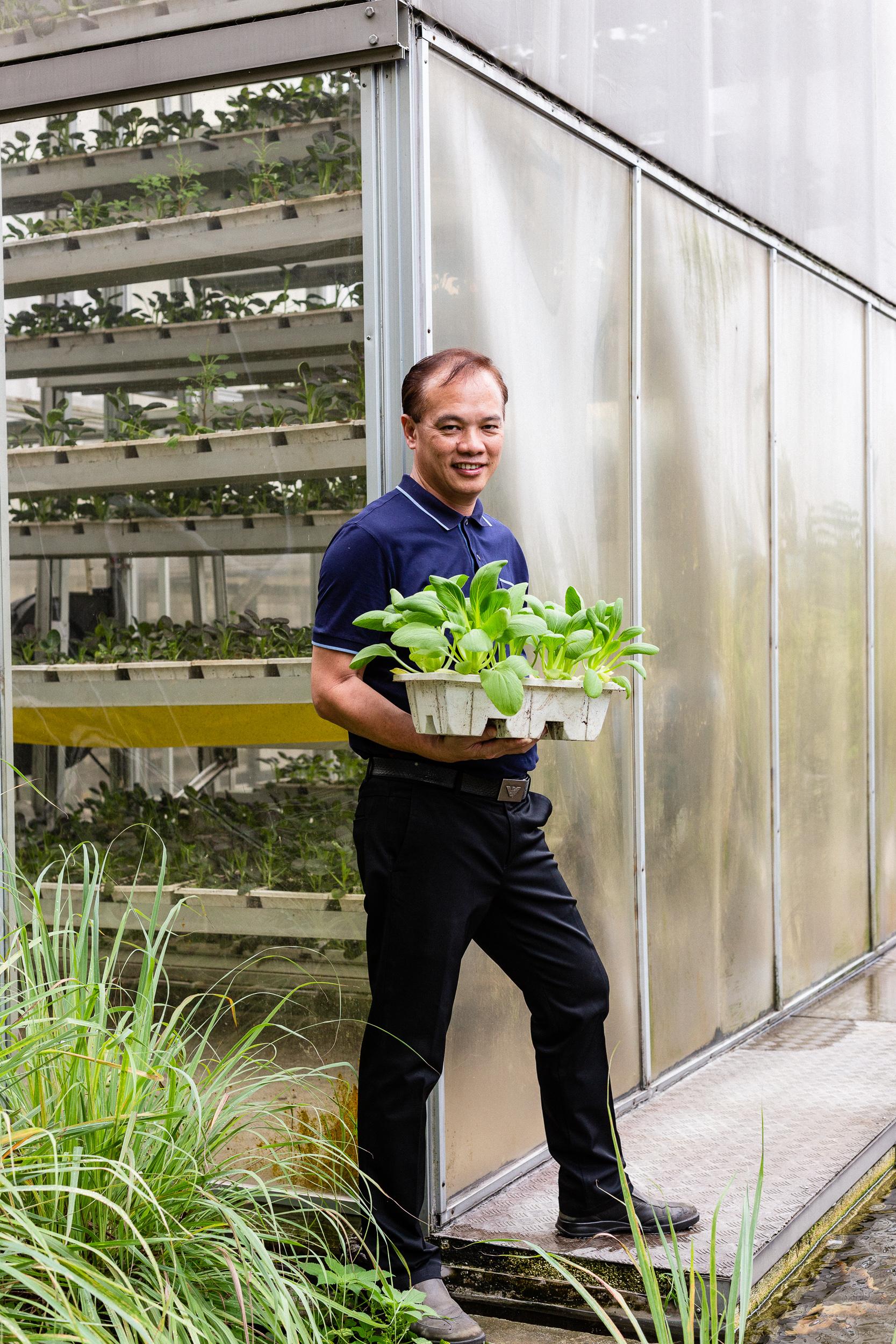 singapore-commercial-editorial-photographer-zainal-zainal-vertical-farming-skygreens-pictet-08.jpg