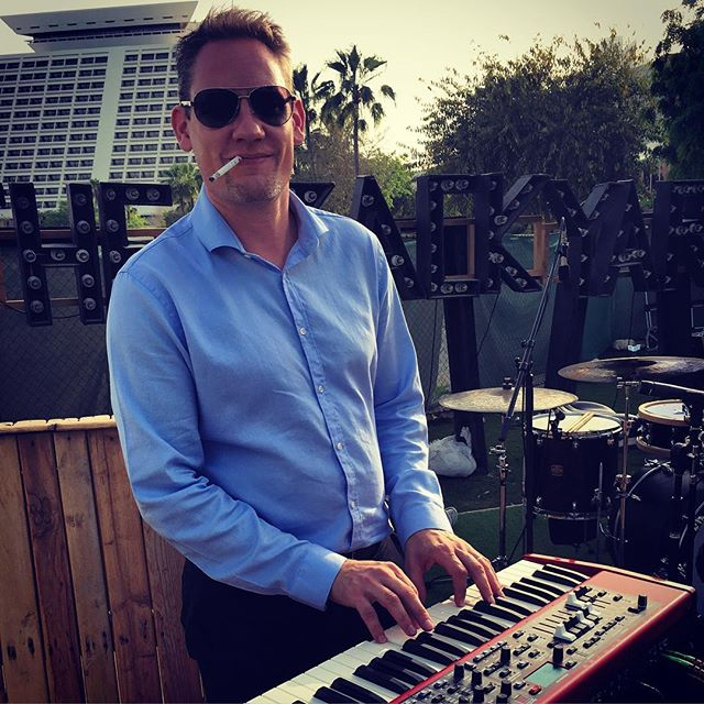 Our special guest on stage tonight: Phil Wilkinson on keys!  We're looking forward to a great night, are you guys ready?  #grooveoffice #thebackyard #dohanightlife #qatarnightlife