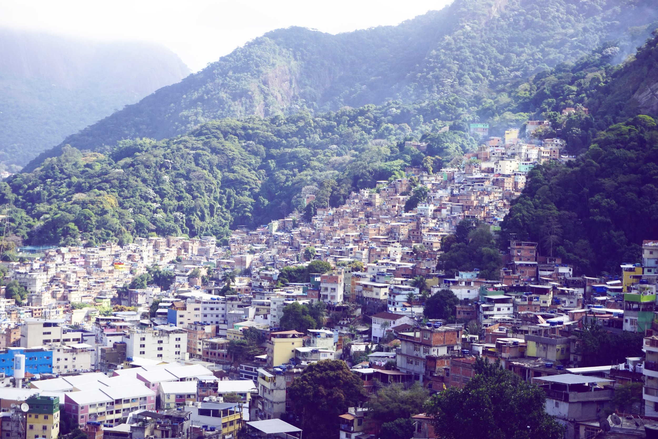 A glimpse of colourful, smoky &peaceful looking Rocinha