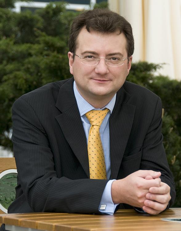 Dr Ian Thompson, Dental Institute, King's College London.