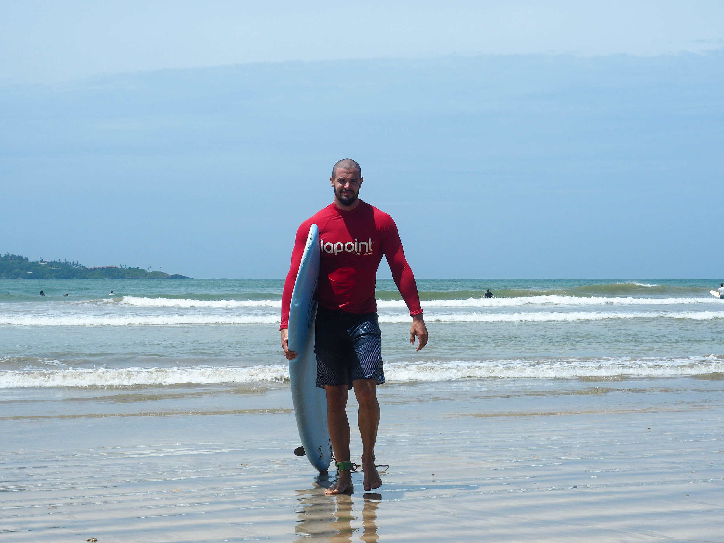 Surfing and fitness in Sri Lanka by New Horizon Escapes