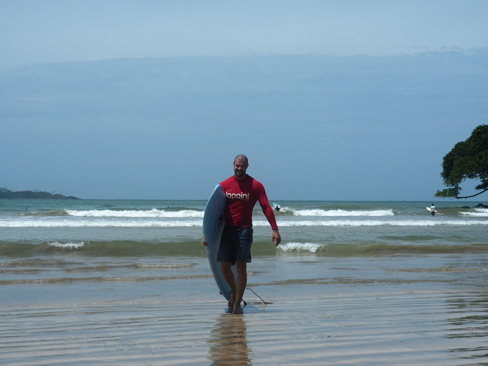 The smile of a man who has battled the waves for 2hrs straight. A serious workout!