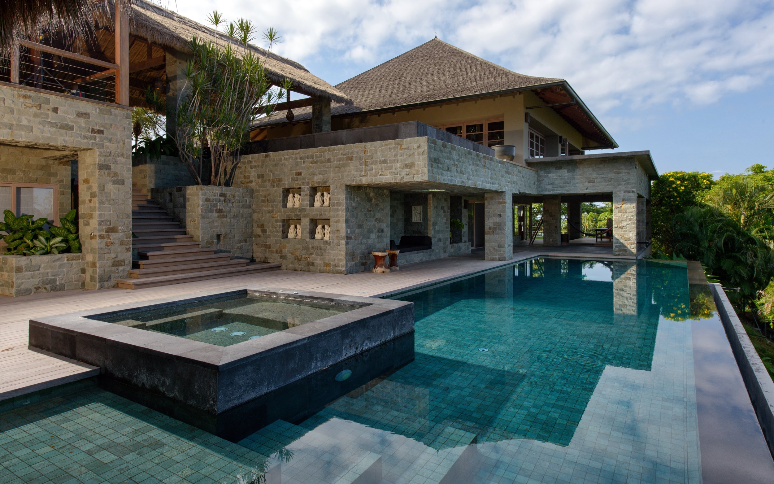 pool lower.jpg